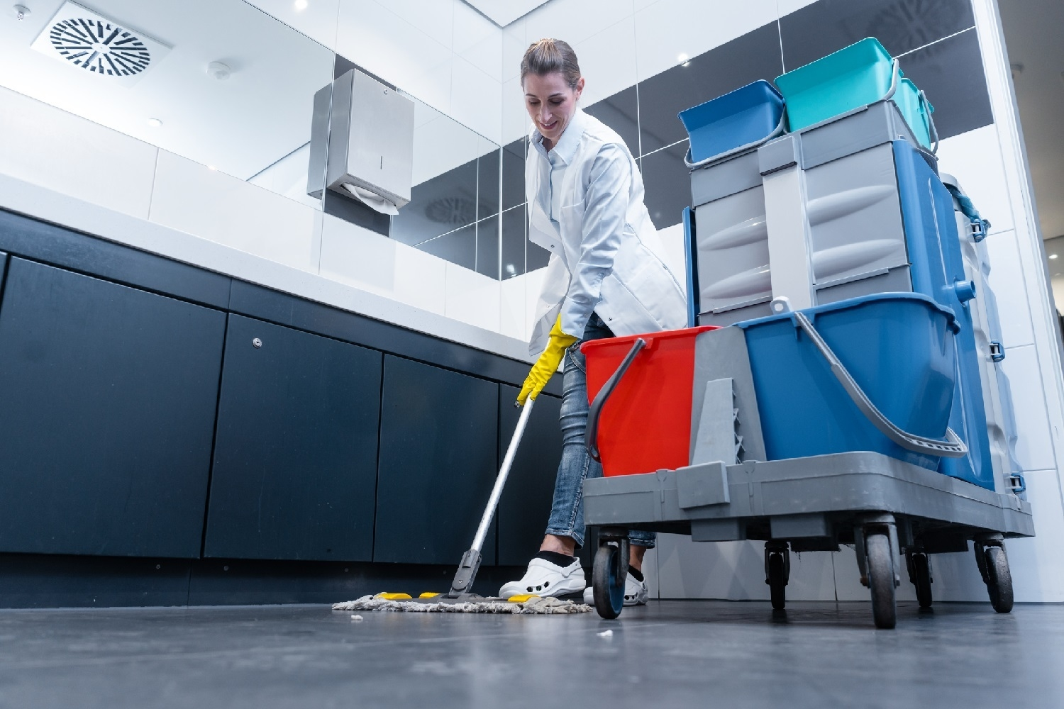 How do professional office cleaning benefits one's business?