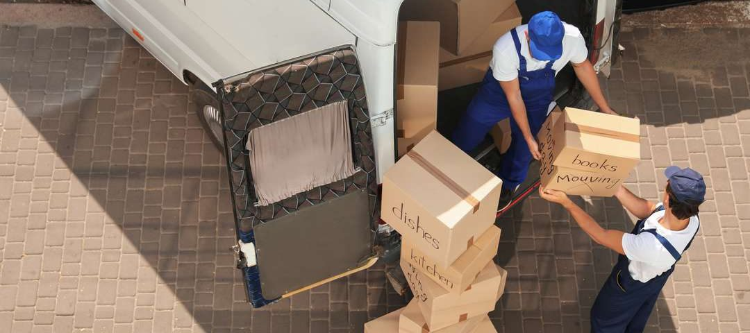 Reasons to hire professional moving companies