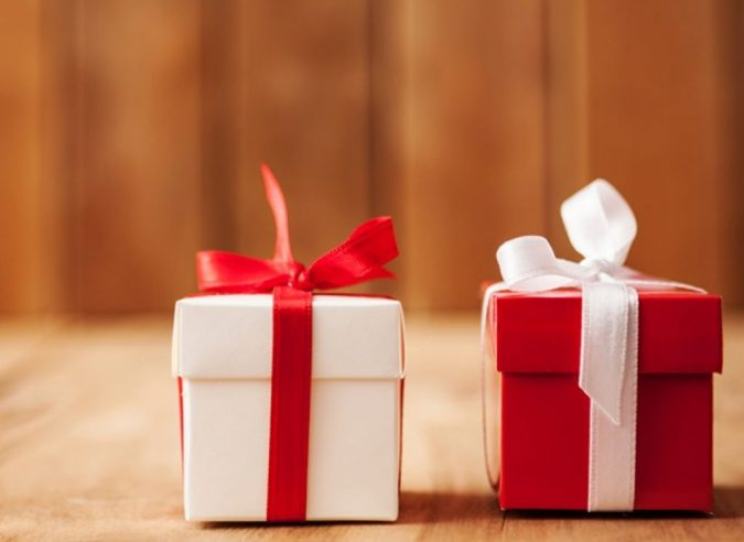 Things to consider before buying customized gifts